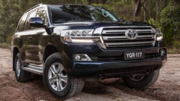 2017 Toyota LandCruiser 200 Series Altitude new car review