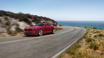 GM's Mustang-Fighting Camaro To Get The Chop: Reports