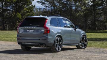 2020 best large luxury suv volvo xc90 exterior rear