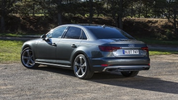 2020 best medium luxury car audi A4 exterior rear