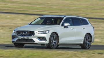 2020 best medium luxury car volvo s60 exterior