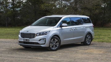2020 best people mover kia carnival exterior