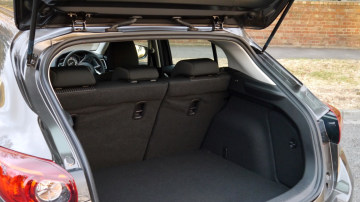 2014_mazda3_maxx_hatch_review_15a