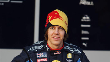 2010_red_bull_team_sebastian_vettel_2