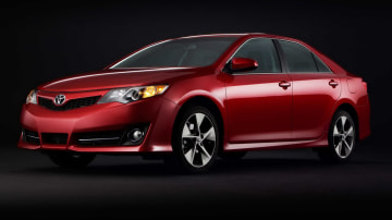 2012_toyota_camry_official_overseas_07