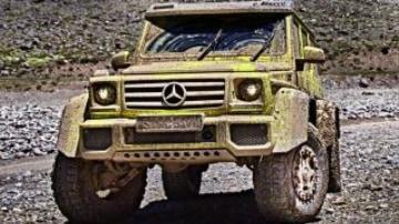 Mercedes-Benz G500 4x4.