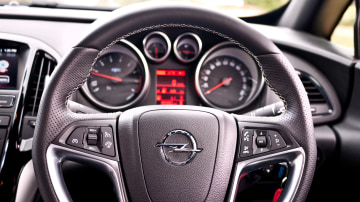 2013_opel_astra_opc_review_07