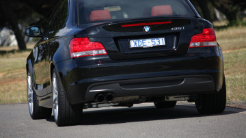 2010_bmw_135i_road_test_review_19