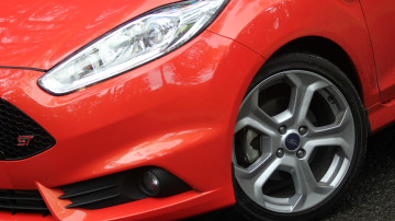 2013_ford_fiesta_st_review_08