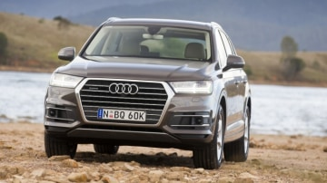 Audi has launched its new entry-level seven-seat Q7 SUV.