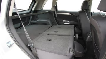 2010_holden_captiva_5_manual_road_test_review_13