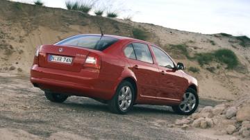 2011_skoda_octavia_sedan_csr_02