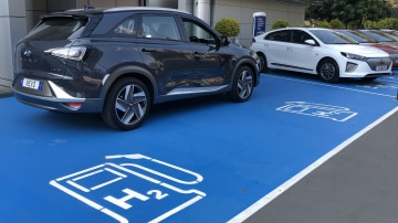 Hyundai Nexo: first hydrogen car certified for Australia, now for the refuelling stations
