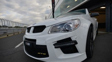 HSV GTS at the track