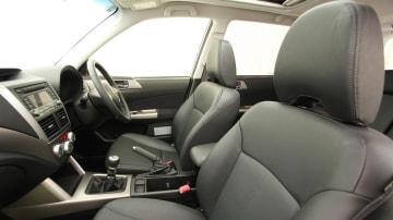 2010_subaru_forester_diesel_road_test_review_interior_07