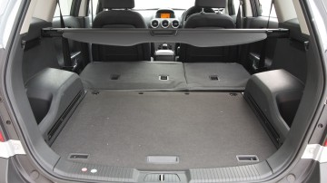 2010_holden_captiva_5_manual_road_test_review_14