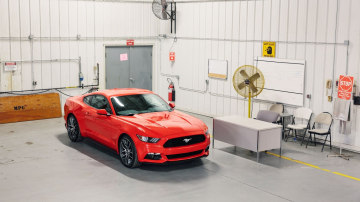 2015_ford_mustang_leaked_06