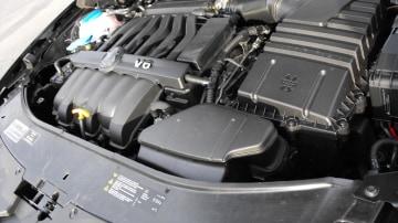 2009-skoda-superb-engine-001.jpg