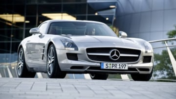 2010 Mercedes-Benz SLS AMG Promotional Videos Released