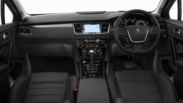 2016_peugeot_508_gt_touring_03