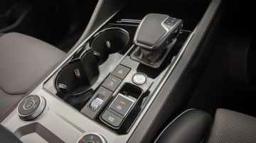 Drive Car of the Year Best Large Luxury SUV 2021 finalist Volkswagen Touareg gear stick close-up
