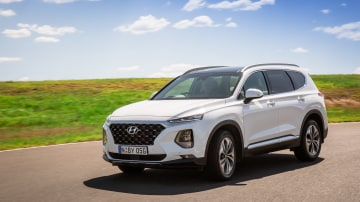 Drive Car of the Year Best Large SUV 2021 finalist Hyundai Santa Fe front exterior view
