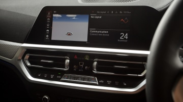 Drive Car of the Year Best Medium Luxury Car 2021 finalist BMW 3 Series interior infotainment system