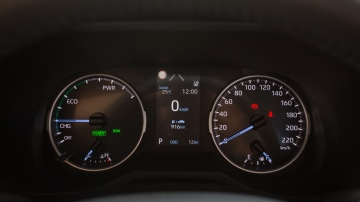 Drive Car of the Year Best Medium SUV 2021 finalist Toyota Rav 4 odometer