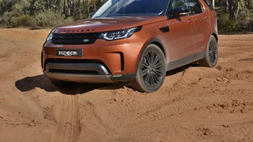 2017 Land Rover Discovery First Edition Review | New Family SUV Blends Off-Road Capability With Modern Luxury
