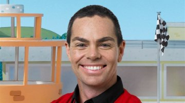 craig_lowndes_conrod_and_roary_the_racing_car_04