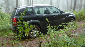 2011_ssangyong_rexton_road_test_review_15