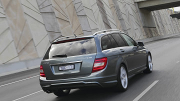 2011_mercedes_benz_c_class_australia_c_250_estate_02