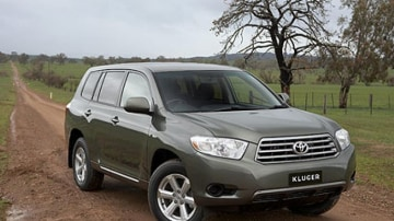 Toyota Kluger: why is black the cheapest colour?