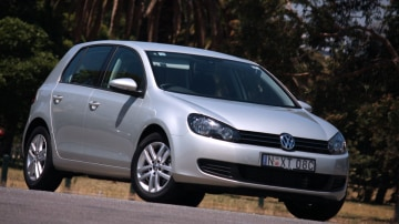 2010_volkswagen_golf_118tsi_comfortline_road-test-review_01.jpg