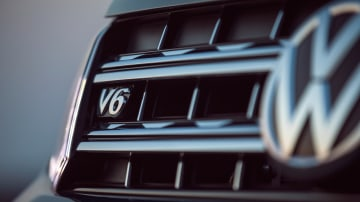 VW sets deadline on combustion engine