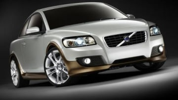 Volvo gears up with their own Dual Clutch transmission