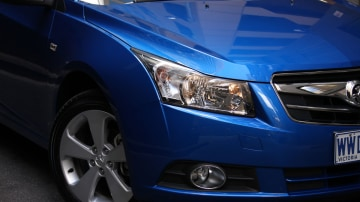 2009_holden-cruze_cdx_and-cruze-cd-diesel_road-test-review_028.jpg