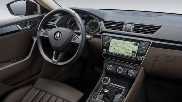 2016_skoda_superb_overseas_08
