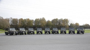 2010_mercedes-benz_g-wagon_australian-defence-force_06.jpg