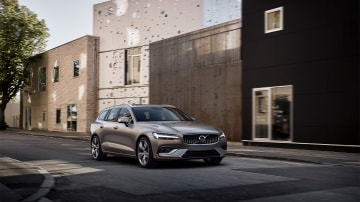 2018 Volvo V60 Unveiled Overseas