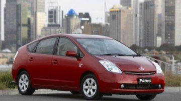 Shock! Toyota Tops Hybrid Awareness Survey