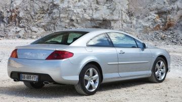 2010_peugeot_407_coupe_05.jpg