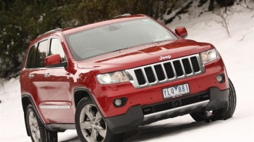 2011_jeep_grand_cherokee_overland_v8_review_31