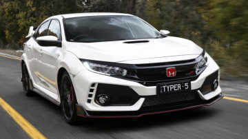 2018 Honda Civic Type R First Drive Review | The fastest front-wheel drive is nearing its limits