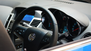 2009_holden-cruze_cdx_and-cruze-cd-diesel_road-test-review_034.jpg