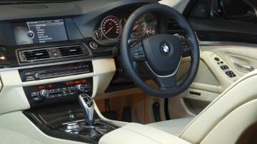 2011_bmw_5_series_sedan_05