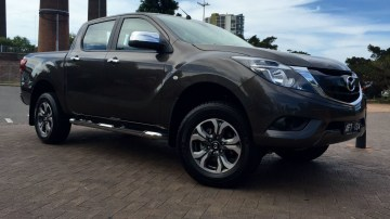 Mazda BT-50 REVIEW   2016 Dual Cab XTR - Tough, Capable, And A Face You Don't Have To Hide