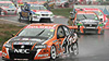 V8 battle not a match race