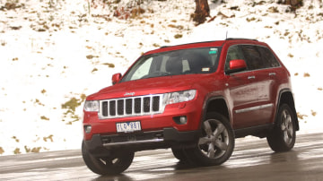 2011_jeep_grand_cherokee_overland_v8_review_11