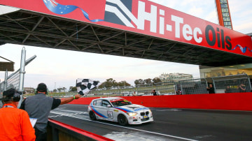2017 Bathurst 6-Hour - Searle Maintains BMW Stronghold On Easter Enduro